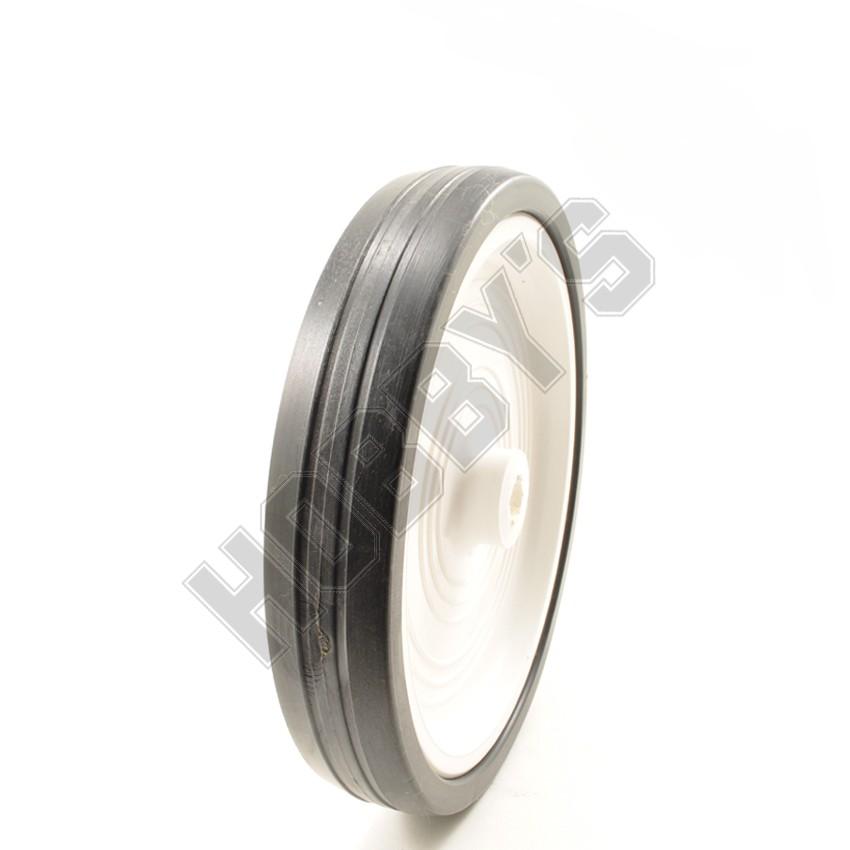 White Center Black Tyre